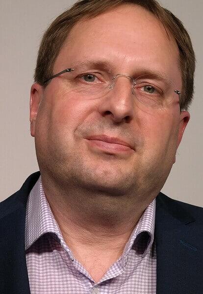 2 Dr. med. Steffen Grünling